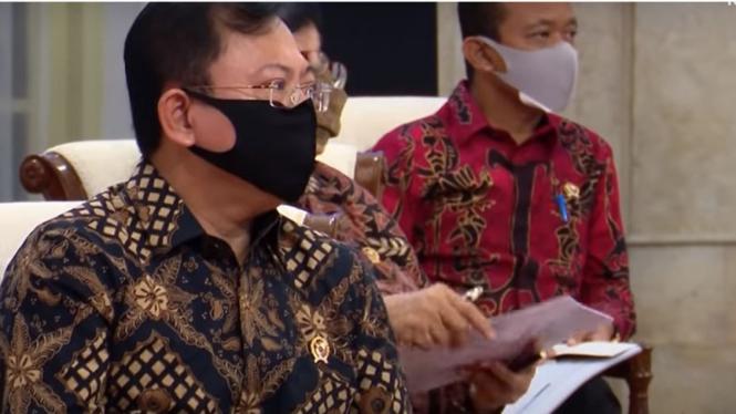 Menteri Kesehatan, Terawan Agus Putranto saat rapat di Istana Negara.
