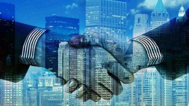 https://thumb.viva.co.id/media/frontend/thumbs3/2020/06/29/5ef9aa10c87f1-pemerintah-diminta-libatkan-swasta-susun-regulasi-ekonomi-digital_375_211.jpg
