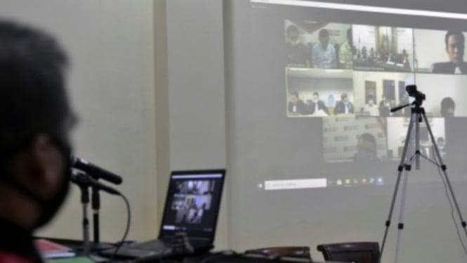 Ilustrasi persidangan online