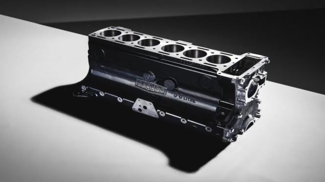 Blok mesin Jaguar XK berkapasitas 3.800cc yang dijual Rp256,9 juta