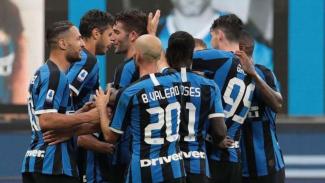 Pemain Inter Milan rayakan gol.