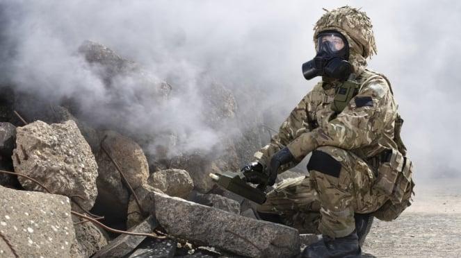 Personel militer dari unit senjata kimia.