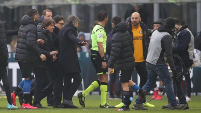 Kiper ketiga Inter Milan, Tommaso Berni, diusir wasit