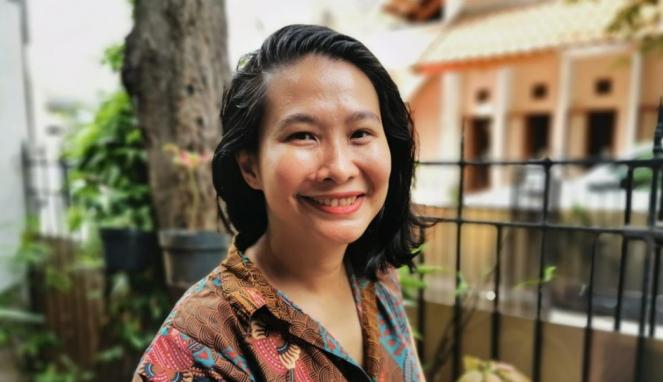 https://thumb.viva.co.id/media/frontend/thumbs3/2020/07/02/5efd74375154a-piala-oscar-amelia-hapsari-warga-indonesia-pertama-yang-diundang-jadi-juri-academy-awards_663_382.jpg