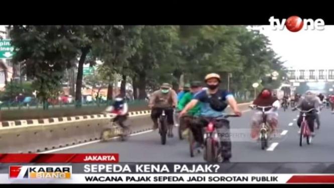 Pajak Sepeda atau Regulasi Keselamatan Pesepeda