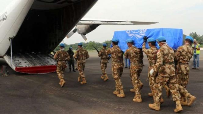 VIVA Militer : Jenazah Pelda Anumerta Rama Wahyudi diterbangkan ke Indonesia dari Kongo