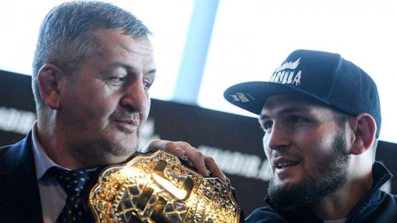 VIVA Militer: Juara UFC, Khabib Nurmagomedov, bersama sang ayah, Abdulmana