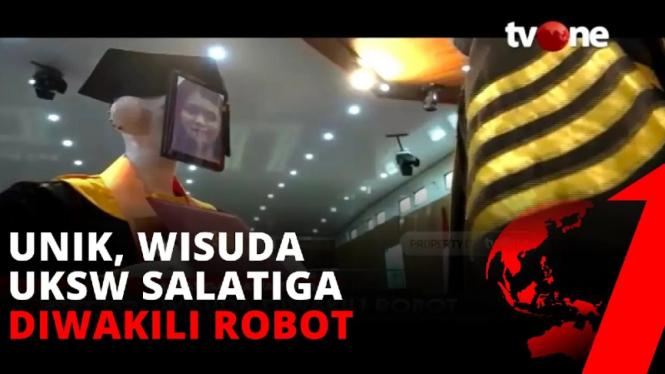 Wisuda pakai robot di Univrsitas Kristen Satya Wacana Kota Salatiga
