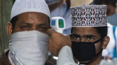 https://thumb.viva.co.id/media/frontend/thumbs3/2020/07/05/5f01491b6b57f-covid-19-di-india-hoaks-dan-berita-palsu-menyasar-kelompok-minoritas-muslim-industri-daging-ayam-paling-terdampak_375_211.jpg