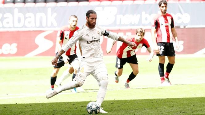 Sergio Ramos mencetak gol di laga Real Madrid melawan Athletic Bilbao