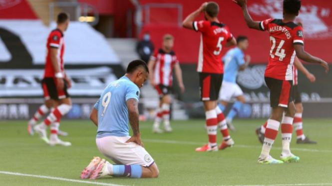 Striker Manchester City, Gabriel Jesus, menyesali kekalahan dari Southampton