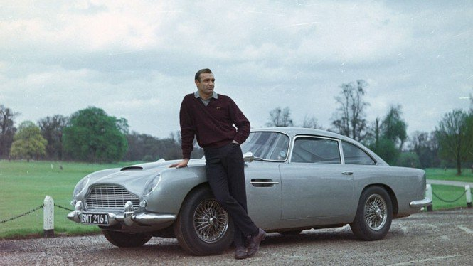 Aston Martin James Bond.