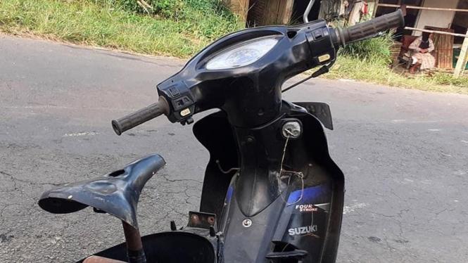 Jok motor diganti dengan sadel sepeda