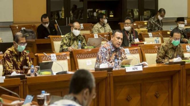 KPK saat menghadiri rapat RDP dengan Komisi III DPR di Kompleks Parlemen