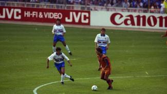 Michael Laudrup saat bermain untuk Barcelona
