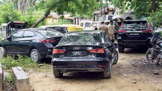 Mobil mewah ditemukan di dekat rumah gangster Vikas Dubey