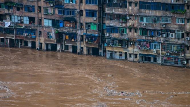 Pemukiman penduduk di Qijiang, Wuhan, terendam banjir.