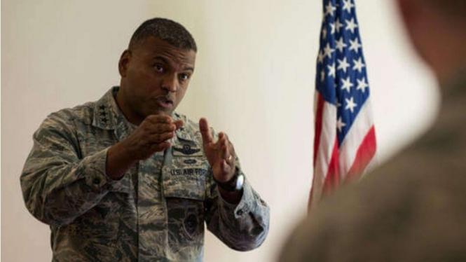 VIVA Militer: Richard Clark, Jenderal Kulit Hitam Pertama yang Dipilih Trump