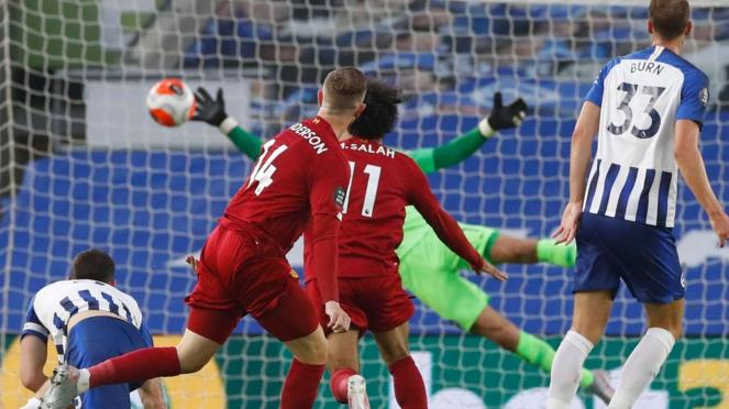Mohamed Salah cetak gol ke gawang Brighton