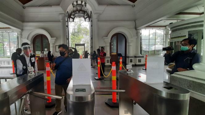 Kebun Raya Bogor dibuka kembali