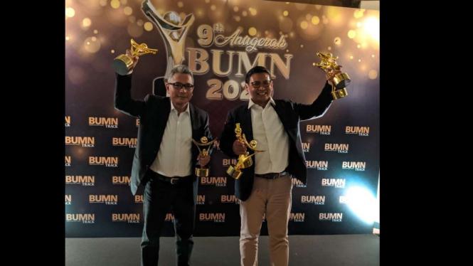 Direktur Utama BRI Sunarso dinobatkan sebagai CEO Visioner dalam ajang Anugerah BUMN 2020 di Jakarta (09/07).