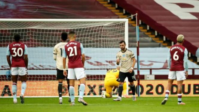 Gelandang MU, Bruno Fernandes, usai cetak gol ke gawang Aston Villa