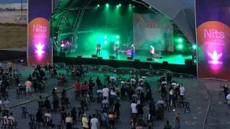 Penerapan social distancing di event konser musik Nits Del Primavera Sound.