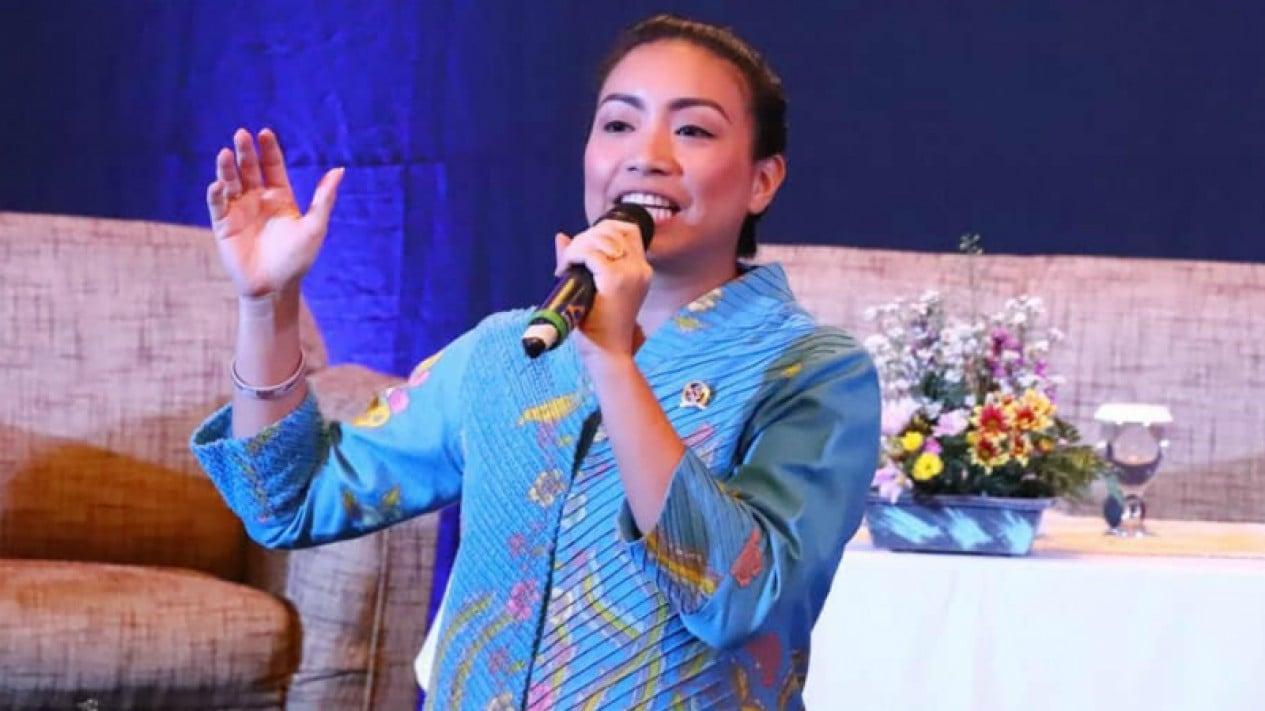 Keponakan Prabowo Subianto, Rahayu Saraswati