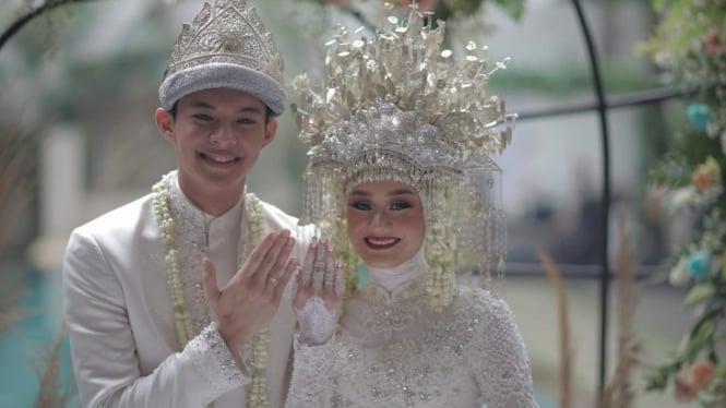 Pernikahan Dinda Hauw dan Rey Mbayang