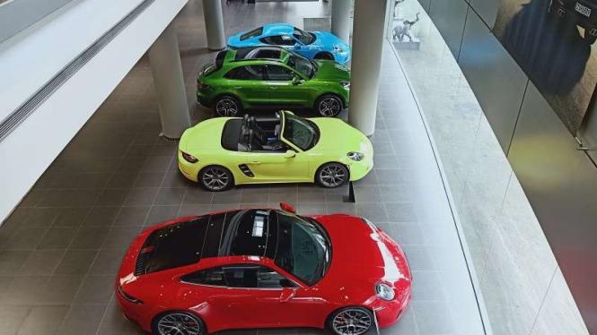 Diler resmi mobil Porsche di Jakarta