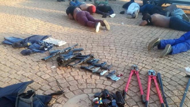 Baku tembak di gereja di Afrika Selatan