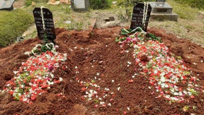 Korban ledakan LPG dimakamkan di TPU Menteng Pulo Dua.