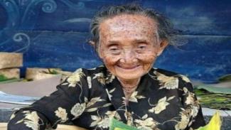 Mbah Lindu, penjual gudeg legendaris di Yogyakarta meninggal dunia.