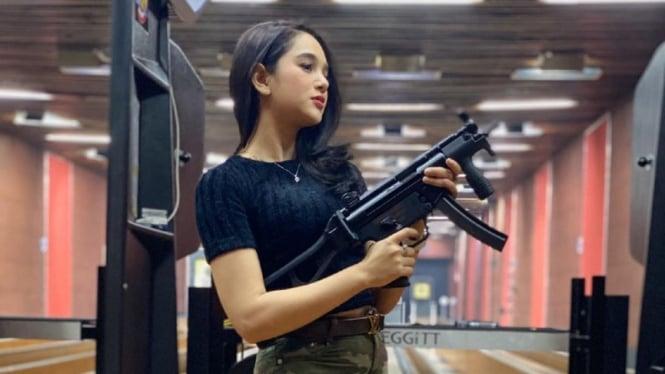 Aktris, Hana Hanifah.