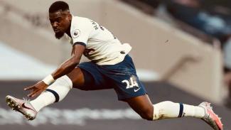 Bek Tottenham Hotspur, Serge Aurier