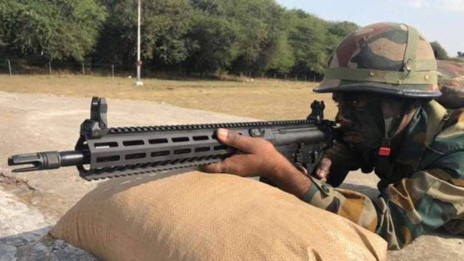 VIVA Militer: Tentara India dengan SIG Sauer.