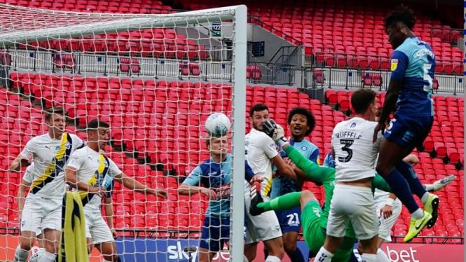 Pertandingan Oxford United vs Wycombe Wanderers