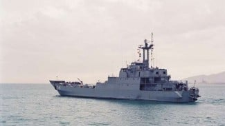 VIVA Militer : Kapal Perang TNI AL, KRI Teluk Jakarta-541