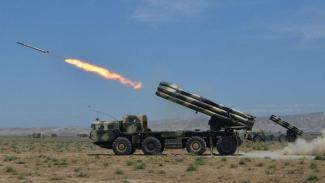 Artileri militer Azerbaijan.-Getty Images