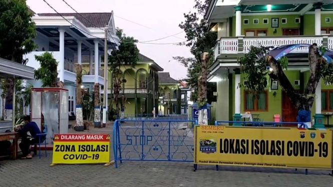 Ilustrasi Tempat Isolasi Santri Pondok Pesantren Gontor di Ponorogo, Jawa Timur, dalam menghadapi pandemi virus corona.