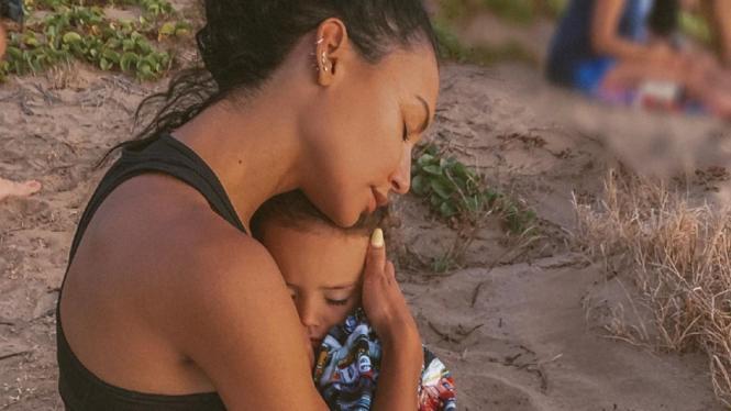 Mendiang Naya Rivera dan anaknya, Josey.