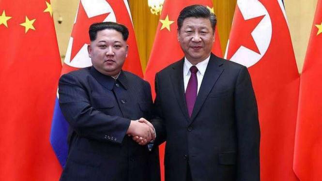 VIVA Militer: Presiden Korea Utara, Kim Jong-un dan Presiden China, Xi Jinping