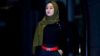 Hana Hanifah kenakan hijab