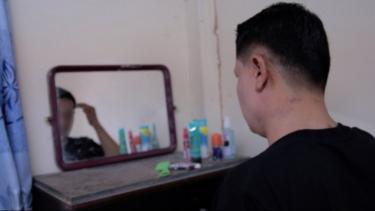 https://thumb.viva.co.id/media/frontend/thumbs3/2020/07/15/5f0f304c25482-kisah-pria-interseks-di-thailand-yang-punya-dua-alat-kelamin-jika-mereka-tahu-mereka-pasti-akan-menghina-dan-mencemooh-saya_375_211.jpg