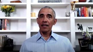 Akun Twitter Barack Obama adalah salah satu yang disasar peretas.-AFP/GETTY IMAGES