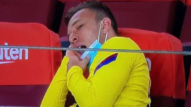 Pemain Barcelona, Arthur Melo menguap saat Barcelona vs Osasuna