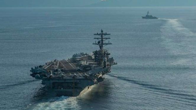VIVA Militer : Kapal Induk USS Nimitz di Laut China Selatan
