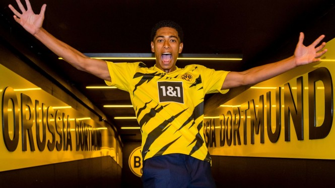 Pemain baru Borussia Dortmund, Jude Bellingham.