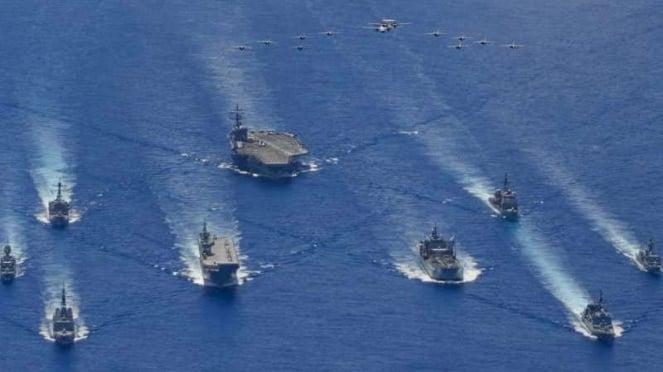 VIVA Militer: Armada tempur Amerika Serikat (AS) dan Australia di Laut Filipina