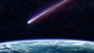 Benda luar angkasa / satelit / asteroid / komet.